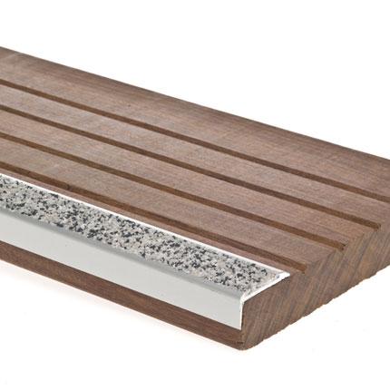 antid rapant terrasse bois nez de marche escalier 29mm x 1m. Black Bedroom Furniture Sets. Home Design Ideas
