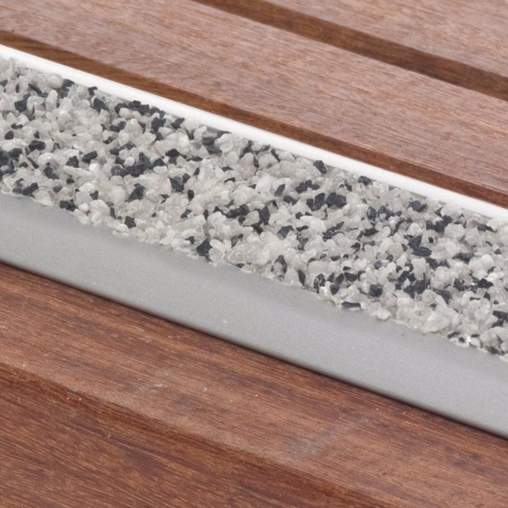 Profil en aluminium plat avec insert minéral hautement antidérapant