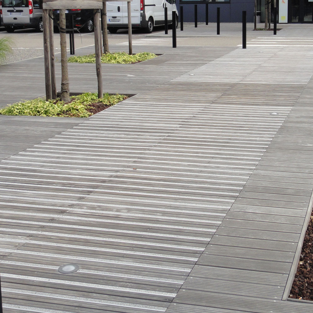 dalle terrasse bois 1m x 1m diverses id es de conception de patio en bois pour. Black Bedroom Furniture Sets. Home Design Ideas