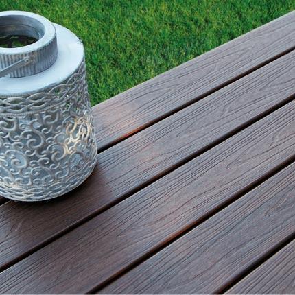 d couvrez les lames de terrasse novodeck deck linea. Black Bedroom Furniture Sets. Home Design Ideas